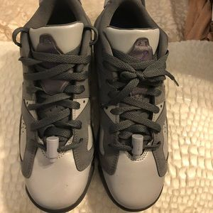 Air Jordan 6 Retro grade school 6.5 Y